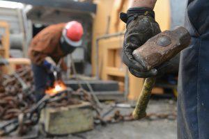 Robotnicy pracujący fizycznie